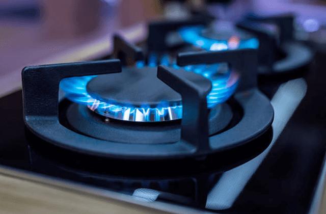 flames on stove